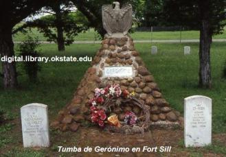 Tumba de Gerónimo en Fort Sill (digital.library.okstate.edu)